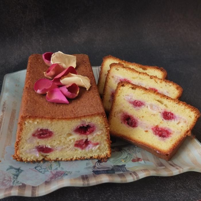 Raspberry, rose and lychee ispahan cake