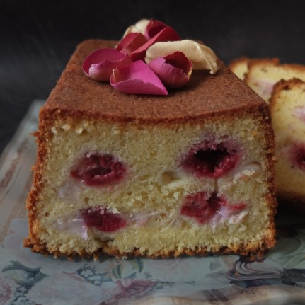 Ispahan cake
