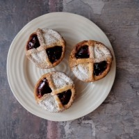 Classic French Pont-neuf pastries recipe!  Delish choux and pastry cream-filled tartlets with jam, glutenfree or sugarfree options... :)