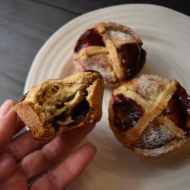 Pont-neuf pastries with raspberry jam