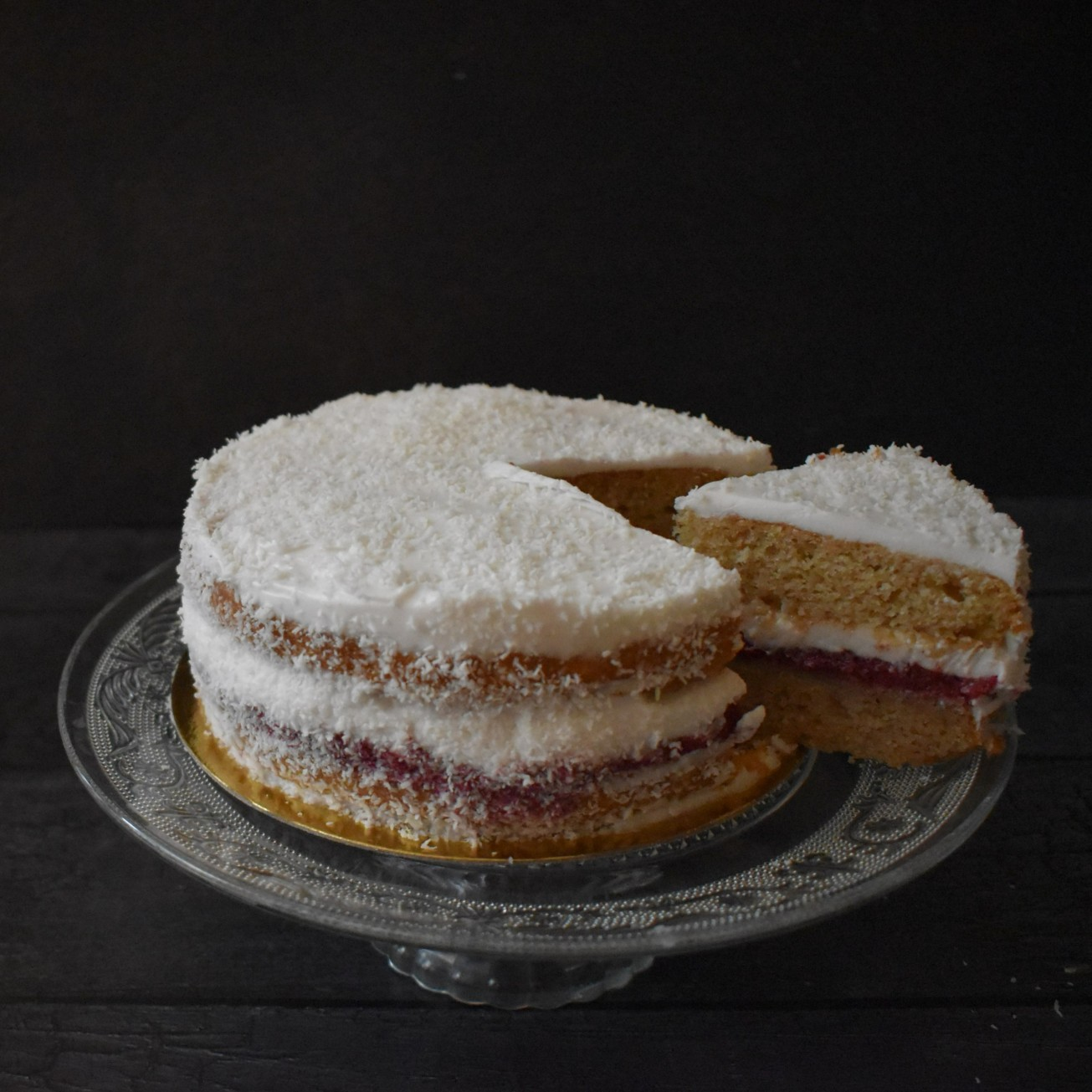 Vegan love cake
